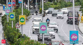 Reliance Jio unveils JioGlass to expand presence in virtual reality space - Economic Times