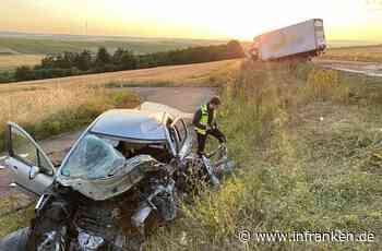 Frontaler Zusammenstoß bei Dettelbach: Beide Fahrer eingeklemmt - teils lebensgefährlich verletzt - inFranken.de