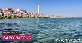 Praia do Farol: águas límpidas e um areal com muito espaço para relaxar no Algarve - SAPO Viagens