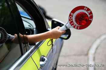 Betrunkene Autofahrerin verursacht mehrere Unfälle und flieht vor der Polizei - Teningen - Badische Zeitung