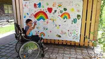 Baiersbronn: Bemaltes Leintuch voll mit guten Wünschen - Baiersbronn - Schwarzwälder Bote