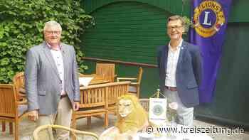 Mehlhop übergibt den Löwen an Vorderstraße - kreiszeitung.de