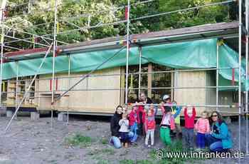 Waldkinder aus Iphofen besuchten ihr neues Waldhaus - inFranken.de