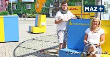 Luckenwalde: Lesebänke vor der Bibliothek im Bahnhof - Märkische Allgemeine Zeitung