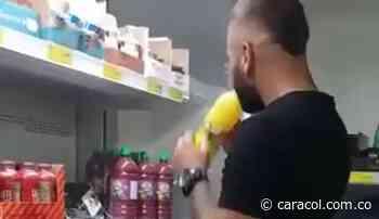 Instauran demanda en contra del joven que probó jugos en un supermercado - Caracol Radio