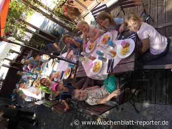 """Vorschulkinder besuchen Restaurant: """"Starke Dinos"""" auf Wandertour - Wochenblatt-Reporter"""