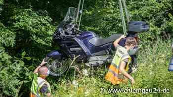 Unfall bei Siegsdorf: Beim Einfahren in B306 Motorrad übersehen - Biker verletzt - chiemgau24.de