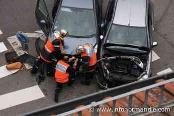 À Oissel, une voiture en percute une autre en stationnement : quatre blessés légers - InfoNormandie.com