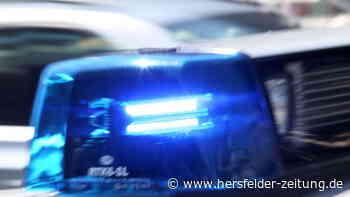 Bebra: Autofahrer schiebt parkenden Anhänger auf Pkw und fährt einfach weiter - Hersfelder Zeitung