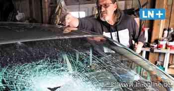 Wahlstedt: Randalierer demolieren Opel Astra - Lübecker Nachrichten