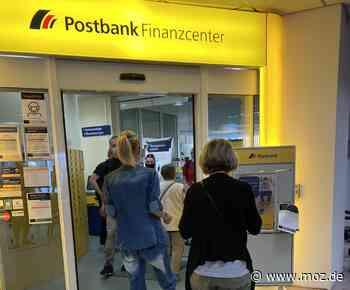 Engpass: Post in Schwedt verärgert Kunden mit Warteschlangen und Schließzeiten - Märkische Onlinezeitung