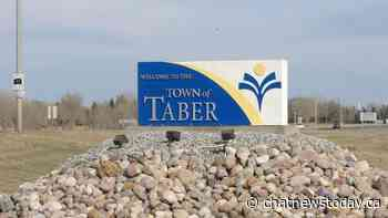 Highway 3 closed east of Taber due to two vehicle crash - CHAT News Today