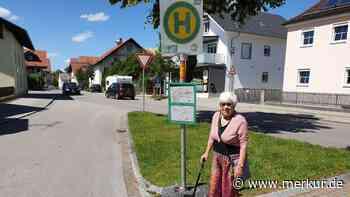 Peiting: Ärger über Behelfs-Haltestelle: Seniorin (89) beklagt gefährliche Situation - RVO reagiert - Merkur.de
