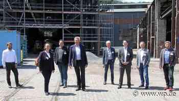 Kreuztal: Landtagsvizepräsidentin besucht Fabrik der Zukunft - Westfalenpost