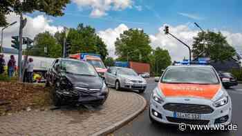 Unfall in Kreuztal: Auto erfasst Fußgänger - Opfer stirbt im Krankenhaus - wa.de