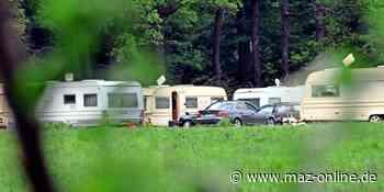 Karlsruh/Kremmen: Polizei räumt Grundstück mit dort abgestellten Wohnwagen - Märkische Allgemeine Zeitung