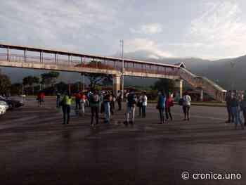 Paro de transporte en Mario Briceño Iragorry luego que INTT retuviera unidades - Crónica Uno