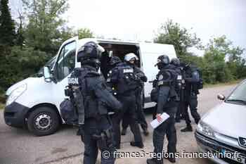 Vesoul : Le GIGN interpelle deux hommes qui étaient recherchés par la justice - France 3 Régions