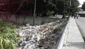 Maracay | Puente de urbanización Girardot es botadero de basura - El Pitazo