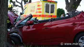 Zwei Menschen bei Unfall nahe Zittau schwer verletzt - MDR