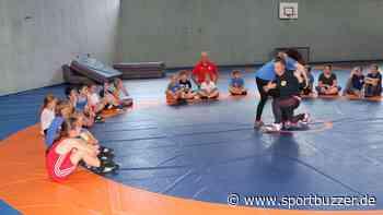 Coronazeit von jungen Ringerinnen in Luckenwalde gut gemeistert - Sportbuzzer