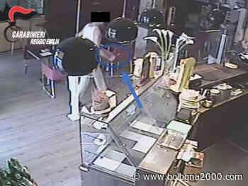 Minaccia con coltello l'avventore di un bar denunciato a Montecchio Emilia - Bologna 2000