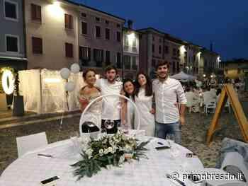 Orzinuovi si tinge di bianco per cenare sotto le stelle - Prima Brescia