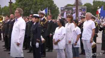 L'EHPAD de Friville-Escarbotin représenté par son médecin lors du défilé du 14-Juillet à Paris - L'Éclaireur du Vimeu