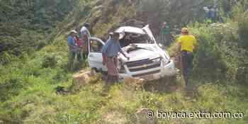 Vía Muzo a Chiquinquirá: Por no arrollar a un motociclista se fueron a un abismo - Extra Boyacá