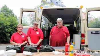 Helfer sammeln Spenden für betroffene Senioren - Nordkurier