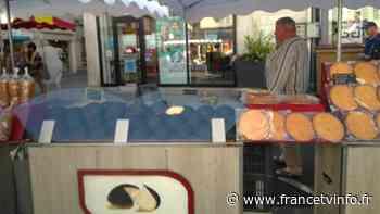 Au marché. Les spécialités de Loches - Franceinfo