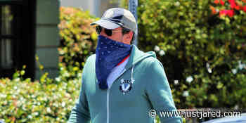 Jon Hamm Covers Up His Face While Grabbing Lunch in LA - Just Jared