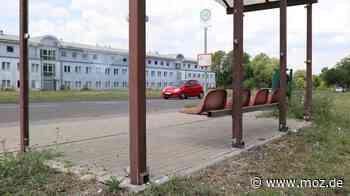 Vandalismus: Gläsernes Wartehäuschen in Schwedt zerstört - Märkische Onlinezeitung