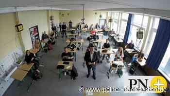 Eines der aufgeteilten Klassenzimmer in Peine - Peiner Nachrichten
