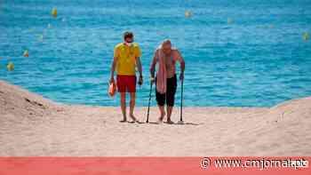 Combater o coronavírus na praia: conheça o areal exclusivo para maiores de 65 anos - Correio da Manhã