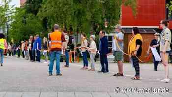 Poing: Menschenkette der Solidarität - Merkur.de