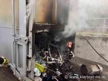Dormagen - Feuerwehr löscht brennenden Großcontainer in Logistikzentrum | Rhein-Kreis Nachrichten - Klartext-NE.de - Rhein-Kreis Nachrichten - Klartext-NE.de
