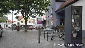 Aufstellung des Bücherschranks ist Teil der Neugestaltung des Käthe-Jonas-Platzes - op-online.de