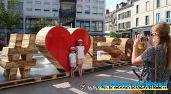 La nouvelle installation #LoveVesoul attire les photographes - La Presse de Vesoul
