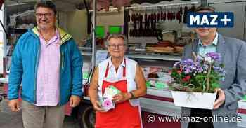 Wochenmarkt Wittenberge: Brigitta Otto arbeitet seit 30 Jahren auf dem Markt - Märkische Allgemeine Zeitung