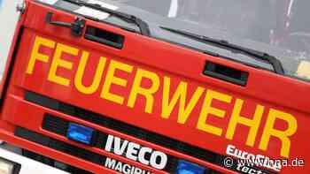 Brandgeruch in Einbeck: Feuerwehr evakuiert Mehrfamilienhaus - Anwohner in Gewahrsam - hna.de