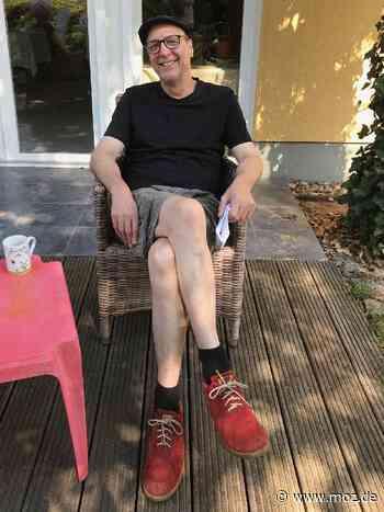 Lesung: Satire im Garten mit Thomas Gsella in Falkensee - Märkische Onlinezeitung