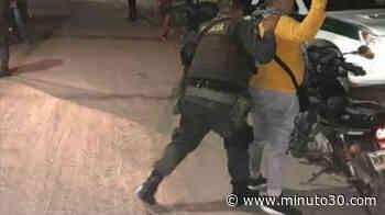 ¡Qué intolerancia! Sujeto en Jericó se negó a que lo requisaran, le pegó al policía y lo dejó 2 días incapacitado - Minuto30.com