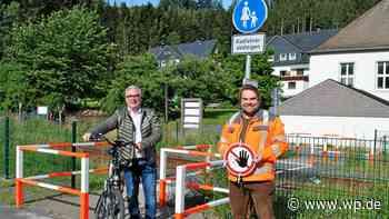 Olsberg: Bahnübergang für Radfahrer und Fußgänger geöffnet - Westfalenpost