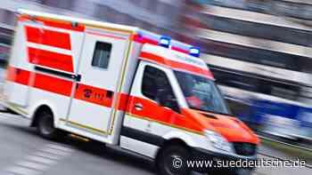 Mutter und Kind bei Unfall lebensgefährlich verletzt - Süddeutsche Zeitung