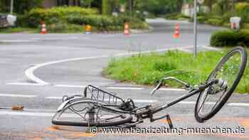Er schwebt in Lebensgefahr - Planegg: Auto-Seniorin (80) fährt Radl-Senior um (76) – schwerverletzt - Abendzeitung
