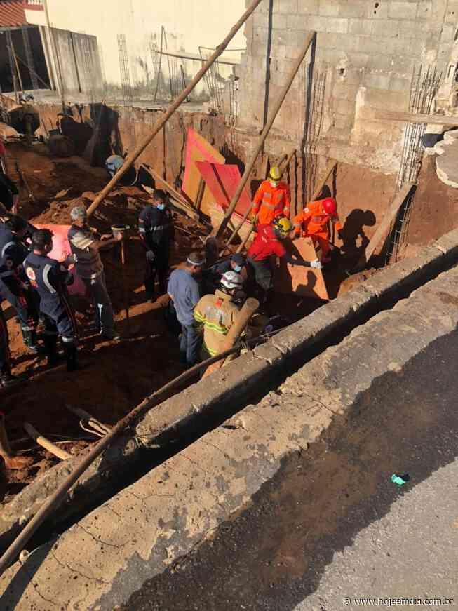 Bombeiros resgatam trabalhador soterrado em desabamento de obra em Sarzedo, na Grande BH - Hoje em Dia