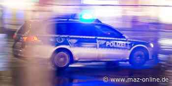 Angetrunkener mit Schubkarre grölt in der Altstadt von Bad Belzig - Märkische Allgemeine Zeitung