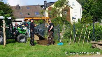 Gemeinschaftsarbeit auf der Ihnewiese in Valbert sorgt für Wildblumenstreifen - Meinerzhagener Zeitung