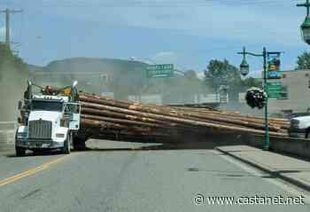Logging truck spills load on Highway 6 in Lumby - Vernon News - Castanet.net